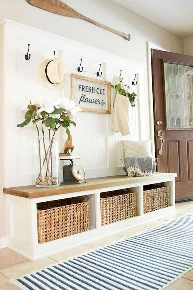 12 Stunning Rustic Small Mudroom Entryway Decor Ideas 11