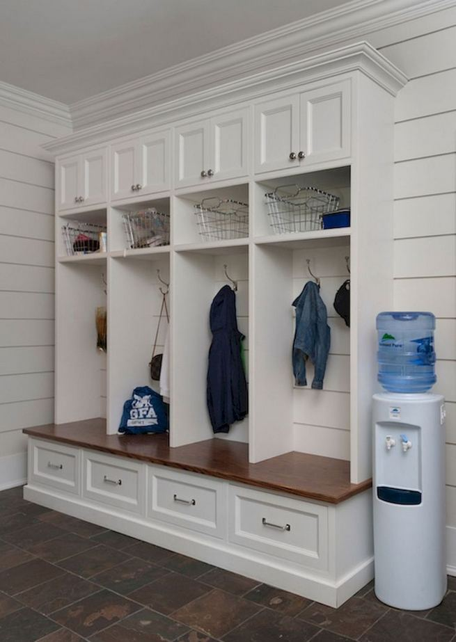 12 Stunning Rustic Small Mudroom Entryway Decor Ideas 22