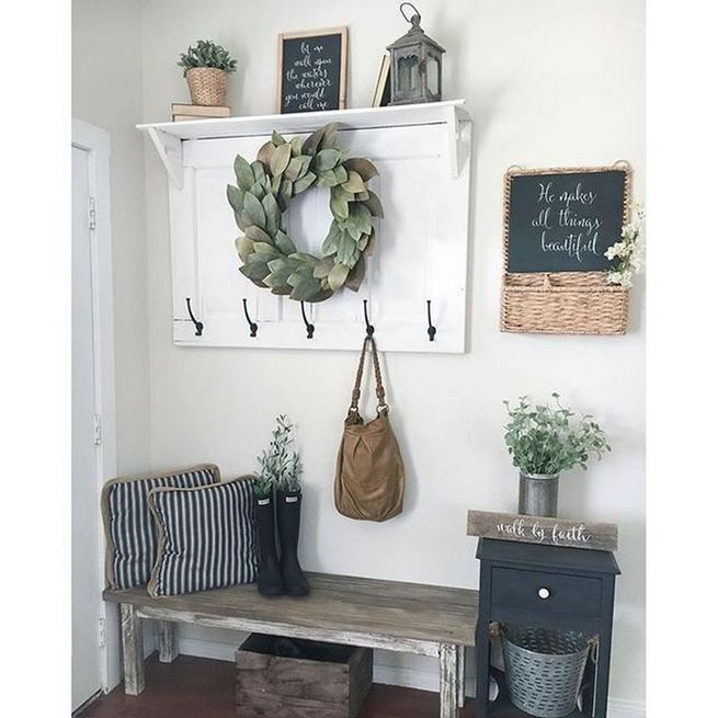 12 Stunning Rustic Small Mudroom Entryway Decor Ideas 24