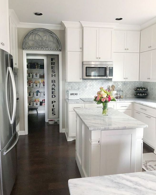 12 Stylish Luxury White Kitchen Design Ideas 24