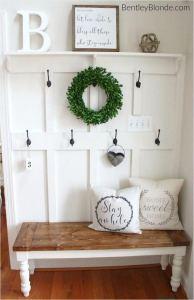 13 Amazing Farmhouse Entryway Decoration Ideas 05