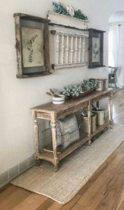13 Amazing Farmhouse Entryway Decoration Ideas 20