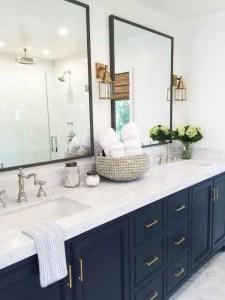 14 Awesome Cottage Bathroom Design Ideas 10