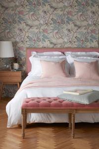 14 Brilliant Bohemian Bedroom Design Ideas 25
