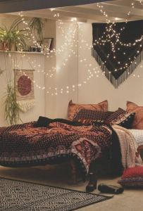 14 Brilliant Bohemian Bedroom Design Ideas 32