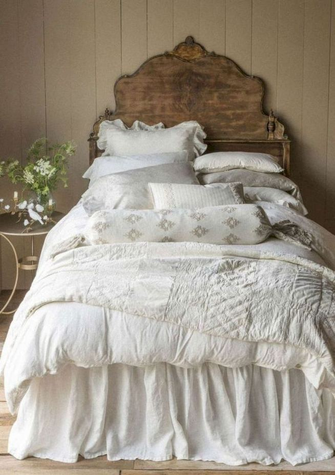 14 Comfy Shabby Chic Bedrooms Design Ideas 18