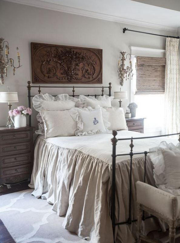 14 Comfy Shabby Chic Bedrooms Design Ideas 21