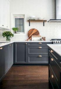 15 Incredible Farmhouse Gray Kitchen Cabinet Design Ideas 02