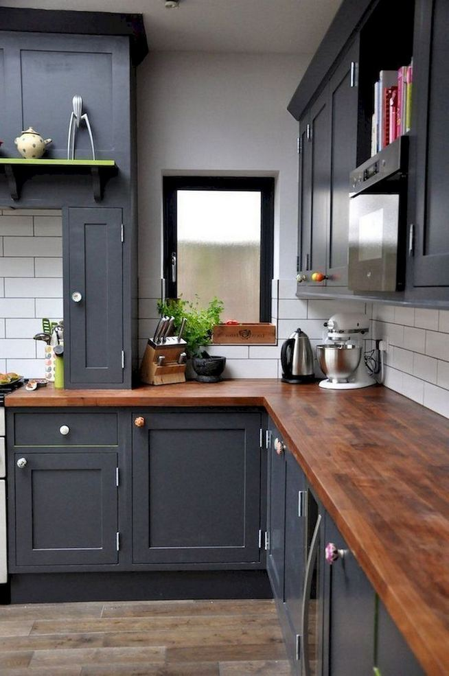 15 Incredible Farmhouse Gray Kitchen Cabinet Design Ideas 19
