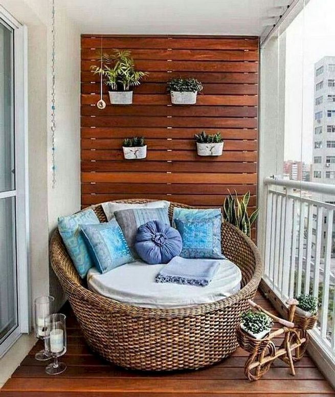 17 Brilliant DIY Decorating Ideas For Small First Apartment 24