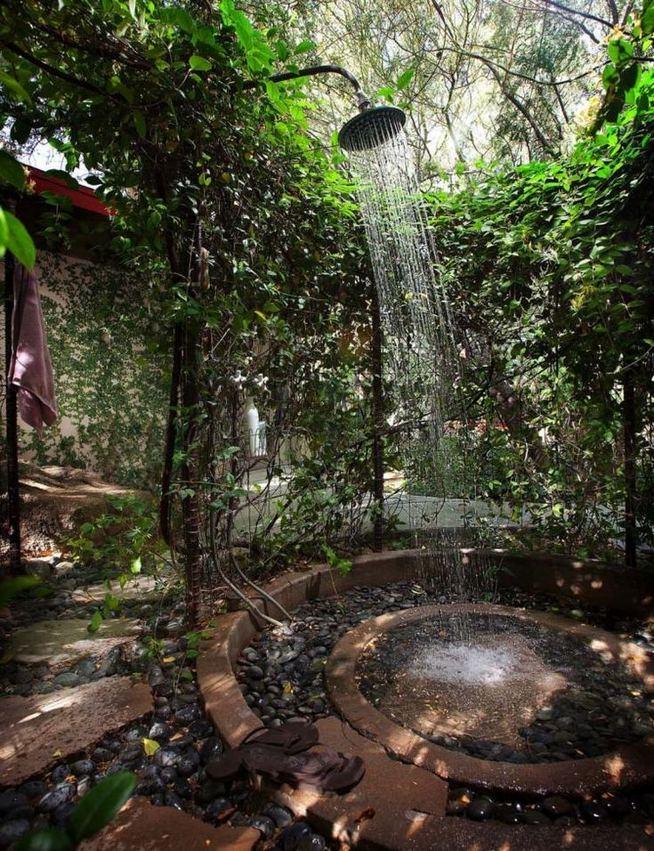 19 Inspiring Outdoor Shower Design Ideas 10