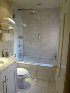 14 Beautiful Master Bathroom Remodel Ideas 36