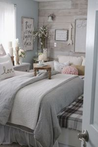 15 Adorable Small Master Bedroom Decoration Ideas 06