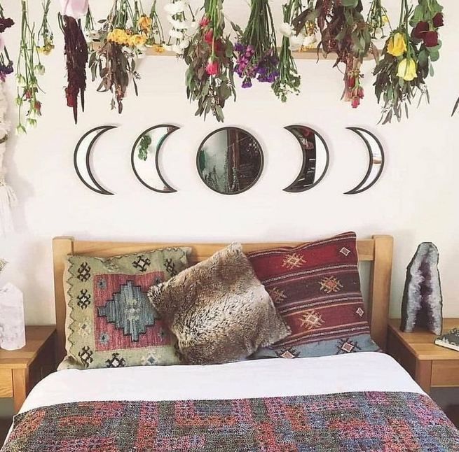 19 Creative DIY Bohemian Bedroom Decor Ideas 10
