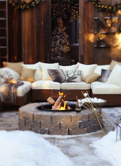 16 Awesome Winter Patio Decorating Ideas With Fire Pit 03