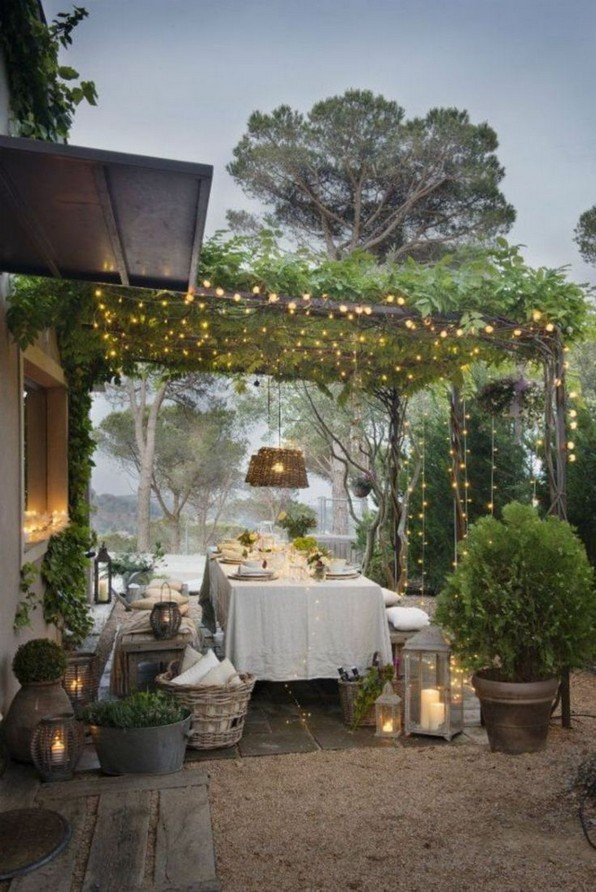16 Awesome Winter Patio Decorating Ideas With Fire Pit 08