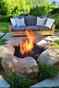 16 Awesome Winter Patio Decorating Ideas With Fire Pit 20