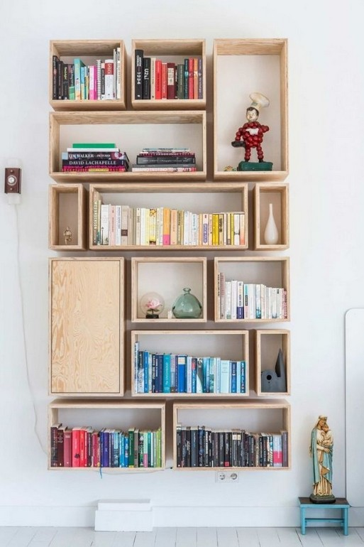 18 Bookshelf Organization Ideas 11
