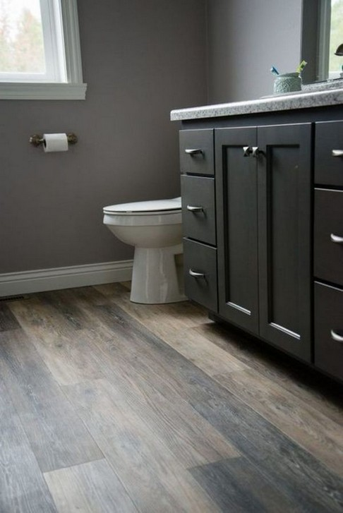 18 Comfy Bathroom Floor Design Ideas 21