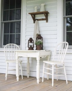 16 Beautiful Farmhouse Front Porches Decorating Ideas 03