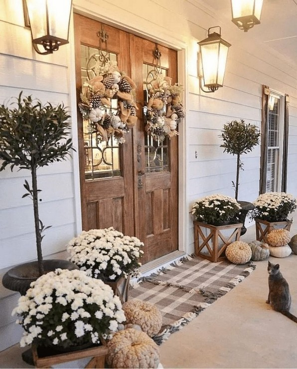16 Beautiful Farmhouse Front Porches Decorating Ideas 10