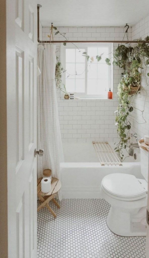 17 Awesome Small Bathroom Tile Ideas 06