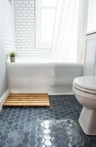 17 Awesome Small Bathroom Tile Ideas 19