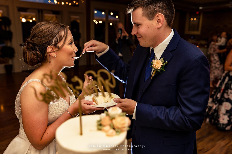 cake farmhouse people's light wedding