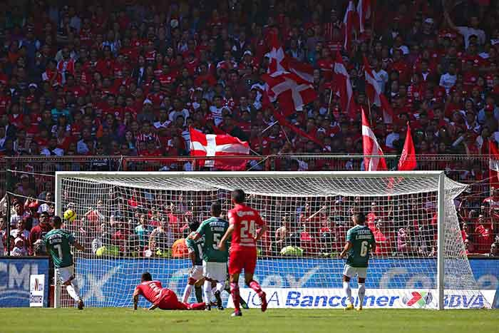 Toluca y Chivas dividieron puntos
