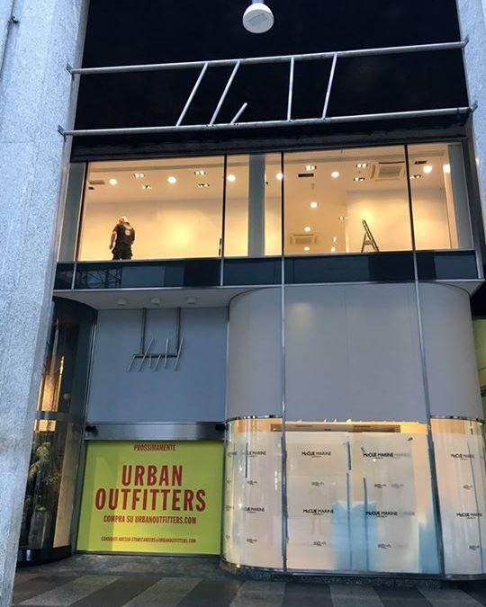 Milano, Corso Vittorio Emanuele II, Urban Outfitters prossima apertura!!! #urba…