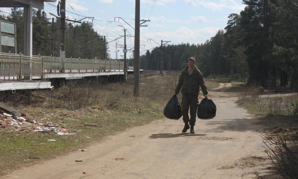 Волонтеры вновь очистили лес у платформы «Лемболово». Но — мусор бессмер