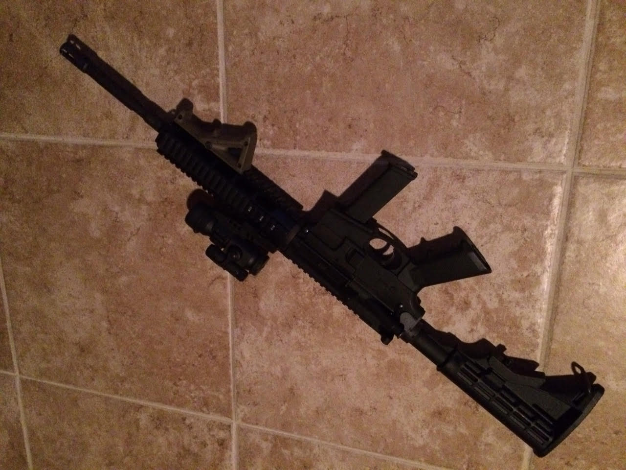 Days Of Guns Lone Wolf G9 Pistol Caliber Ar Powered By Glock Mags