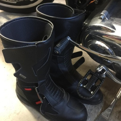 Loadout Room photo of the day | Winter riding gear - boots