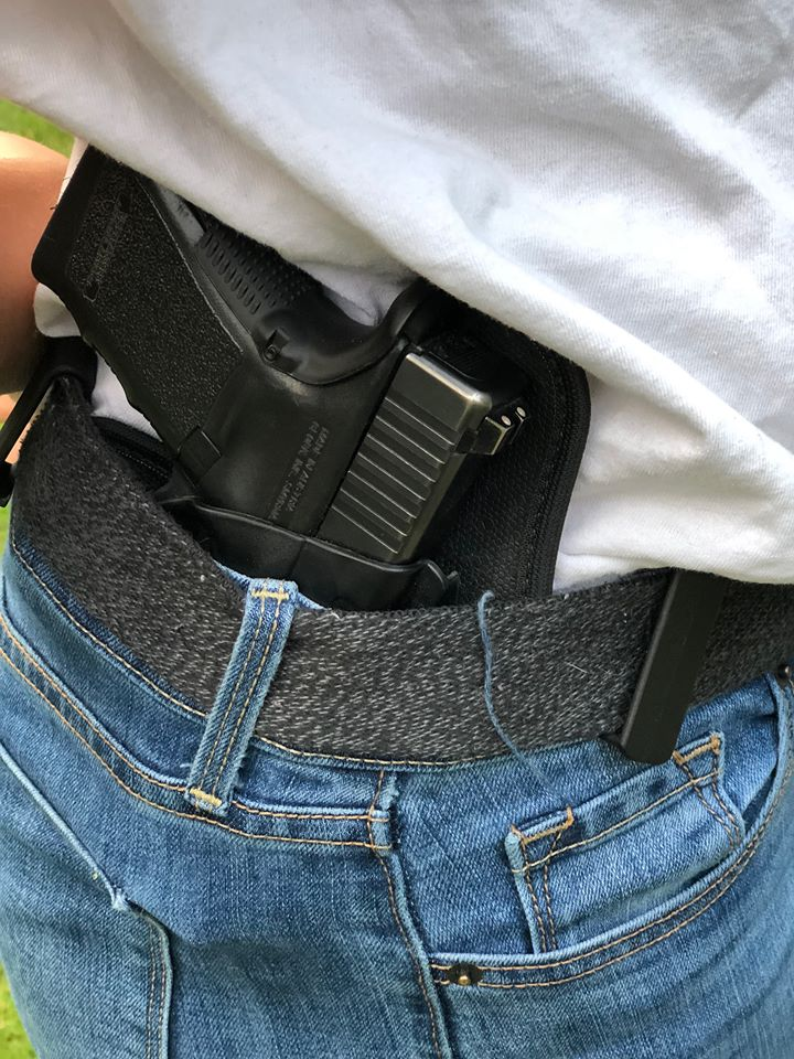 Alien Gear Holster's Cloak Tuck 3.5 IWB Holster, A Holster that Fits - Comfortably