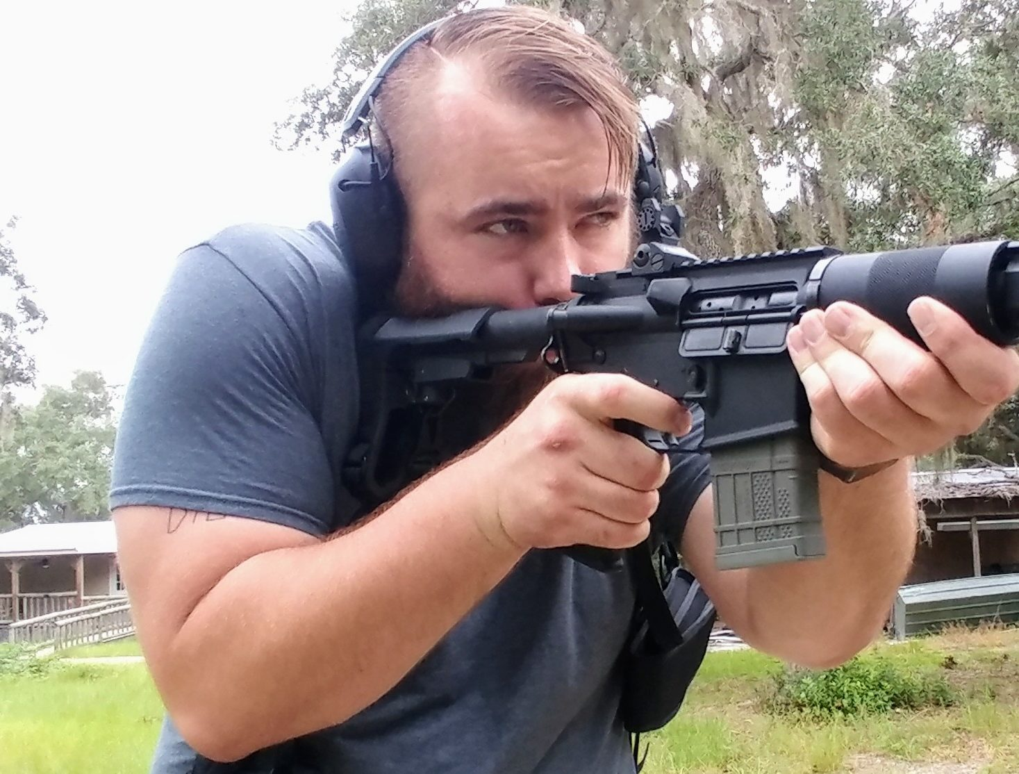 The Desantis DSD Rig | An AR-15 Shoulder Rig | The Loadout Room