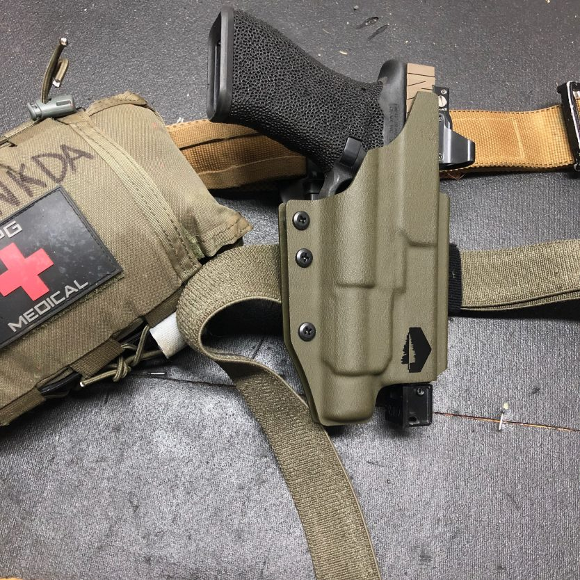 US Marine drops some knowledge on holsters