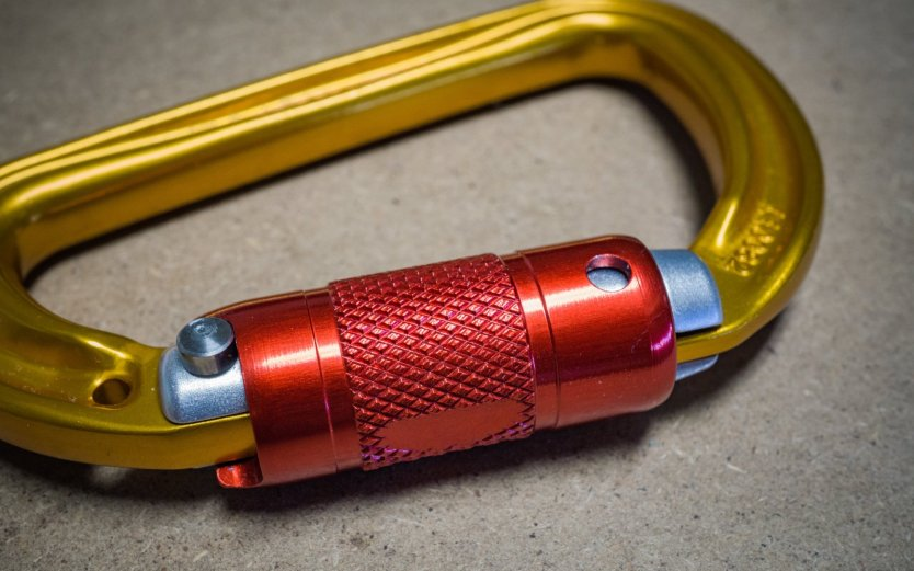 Petzl Sm'D RL Twist-Lock Carabiner: A step above all other carabiners