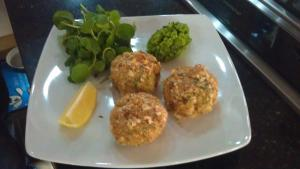 Tuna and pea fishcakes