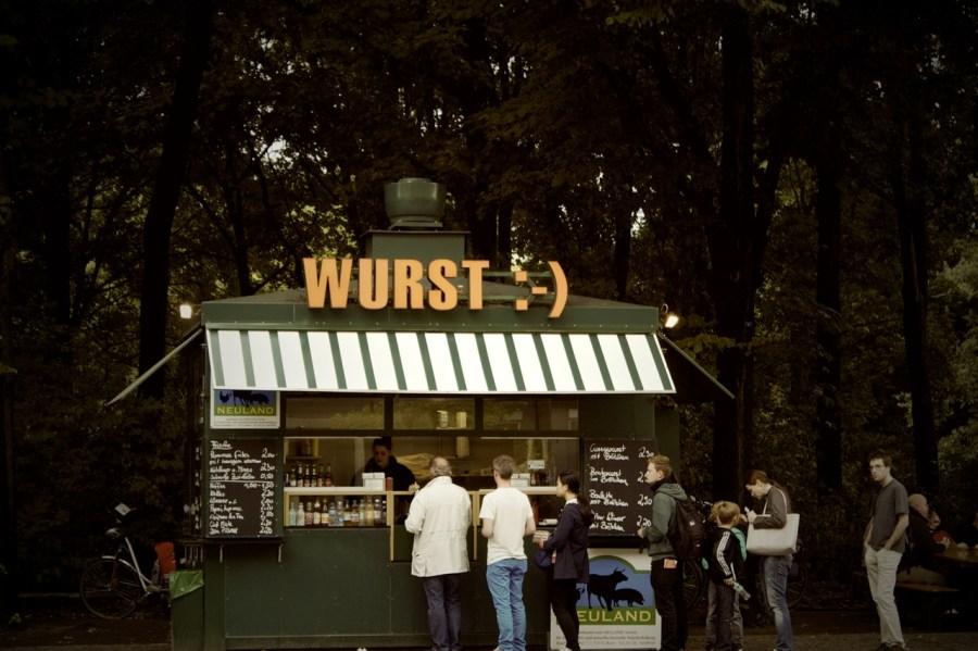 lunch-germany-kiosk-line