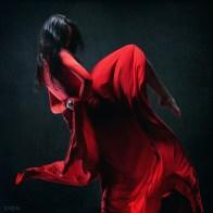 10. Vestida de vermelho