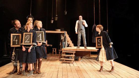 """Una niña valiente protagonista de """"Las aventuras de T. Sawyer"""" en el Teatro Chapí de Villena"""