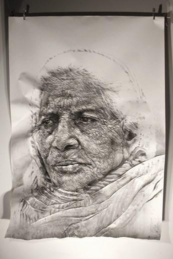 """Paharganj / Delhi woman"". Charcoal on wrinkled paper (190 x 135 x 12 cm)"