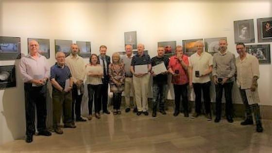 L'Ajuntament d'Alacant i el Club Fotogràfic Alacant han inaugurat l'Exposició de la IV edició del Concurs Internacional de Fotografia Alacant