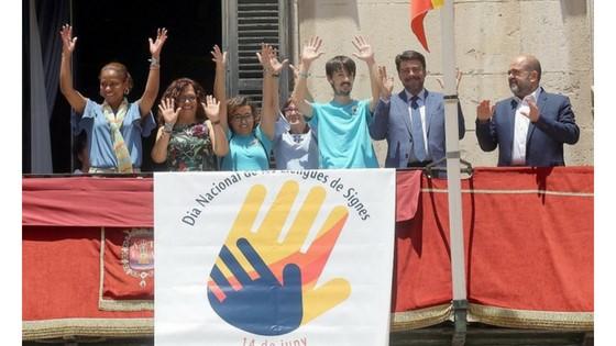 El Ayuntamiento de Alicante se suma al Día Nacional de las Lenguas de Signos