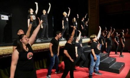 L'Escola d'Arts per a persones amb discapacitat arriba a l'aljub amb un flashmob