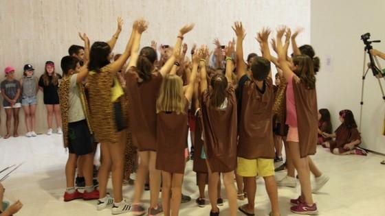 Mig centenar de xiquets i xiquetes han participat al juliol en l'Aula d'Estiu del MACA