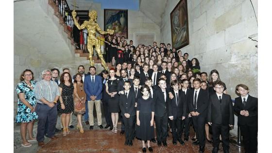 El Alcalde de Alicante y el Presidente de la Diputación reciben a la Orquesta de Jóvenes de la Provincia de Alicante, ganadora del festival Summa Cum Laude de Viena