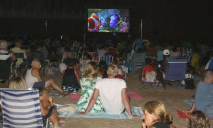 """""""Buscando a Dori"""" cierra el ciclo de cine familiar en la playa de Benidorm"""