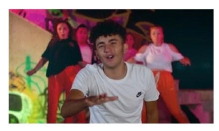 """El raper Manel Agredo presenta el seu videoclip """"King"""" a La Nucia"""