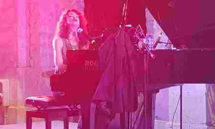 Carmen Paris en un concierto cantado y contado en Casa Mediterráneo